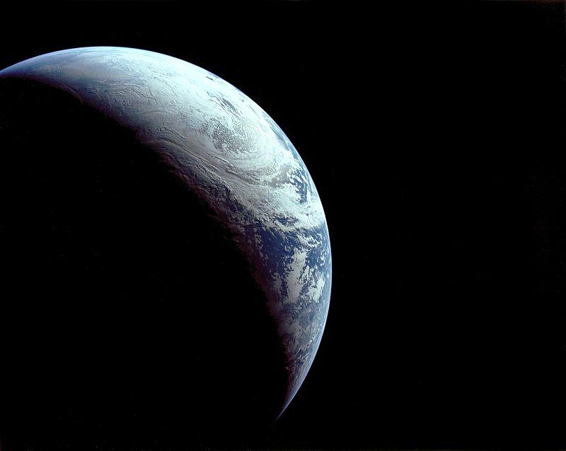 apollo-4-earth.jpg