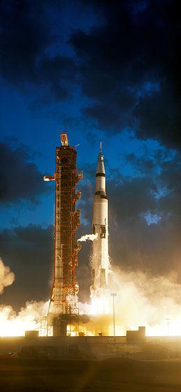 apollo-4-launches.jpg