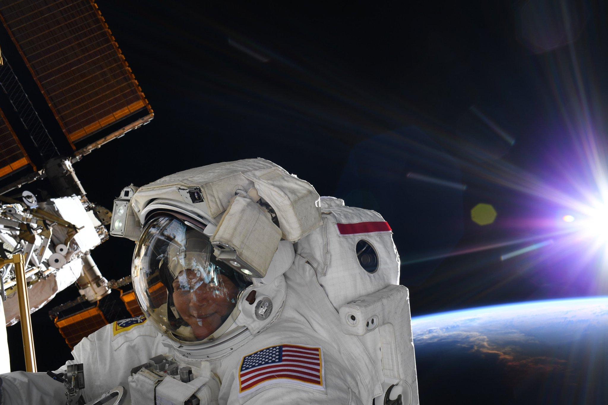 2019-mcclain-spacewalking.jpg