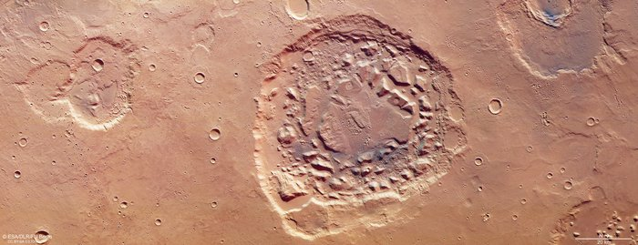 2018-mars-express-crater-or-volcano.jpg