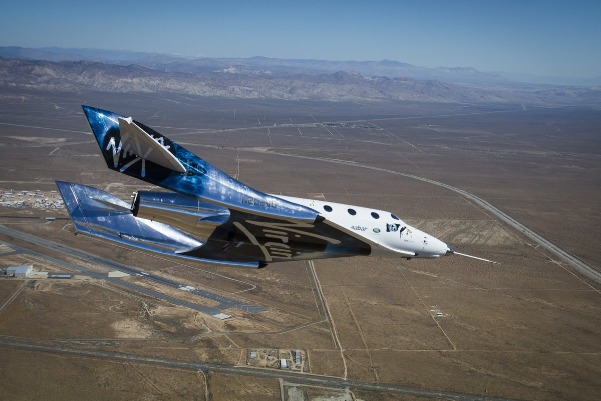 1-may-2017-virgin-galactic-gliding-test.