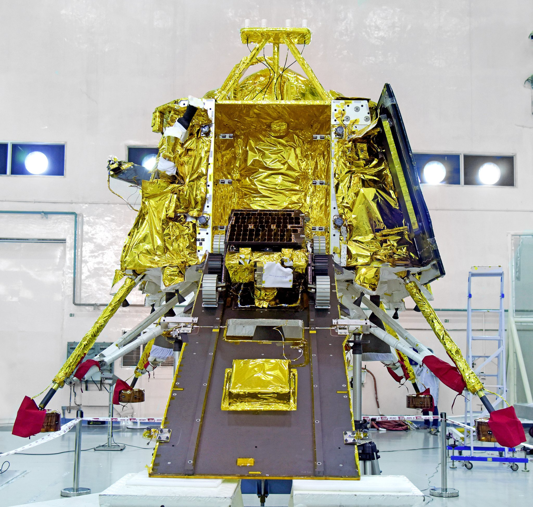 2019-pragyan-rover.jpg