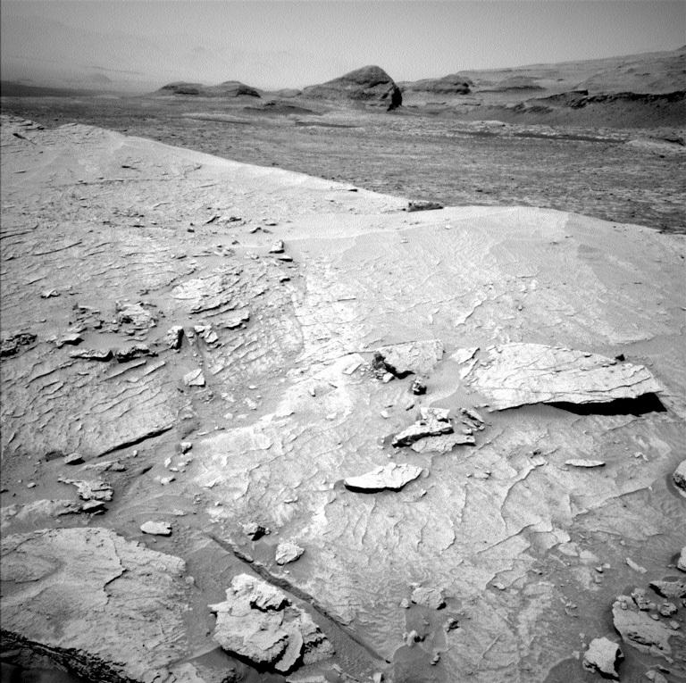 2021-curiosity-climbs-mount-mercou.jpg