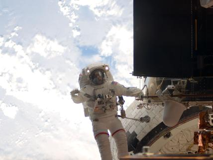 Grunsfeld spacewalking