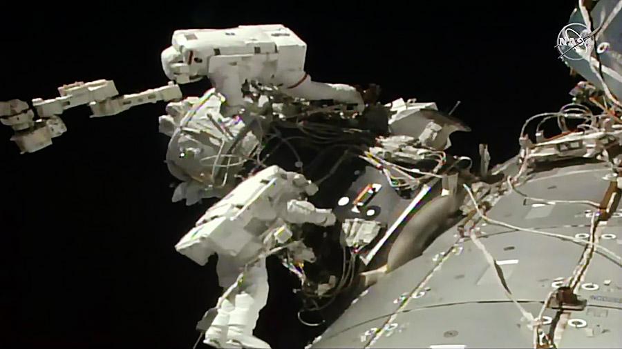 2019-nasa-astronauts-installed-docking-p
