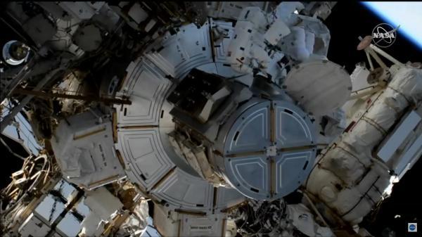 2020-15-jan-spacewalking.jpg
