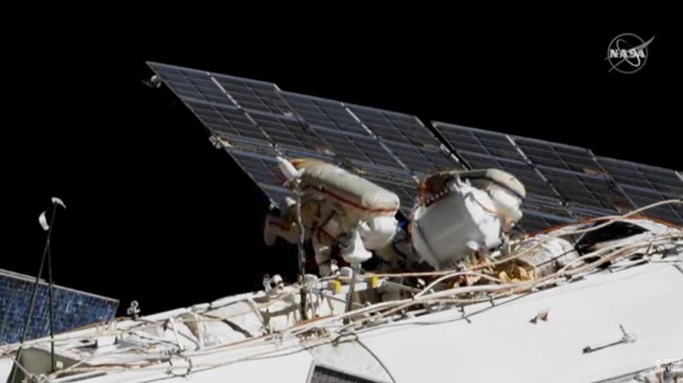2020-18-russian-cosmonauts-spacewalking.