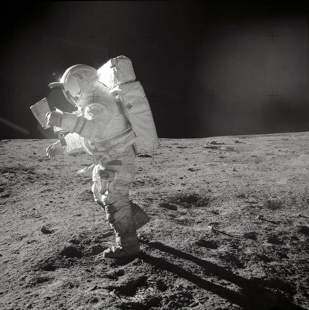Edgar-Mitchell-astronaut.jpg