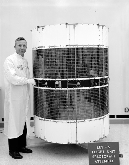 LES-5-satellite.jpg