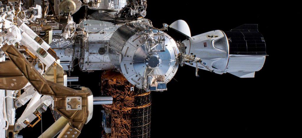 2020-crew-dragon-docked.jpg