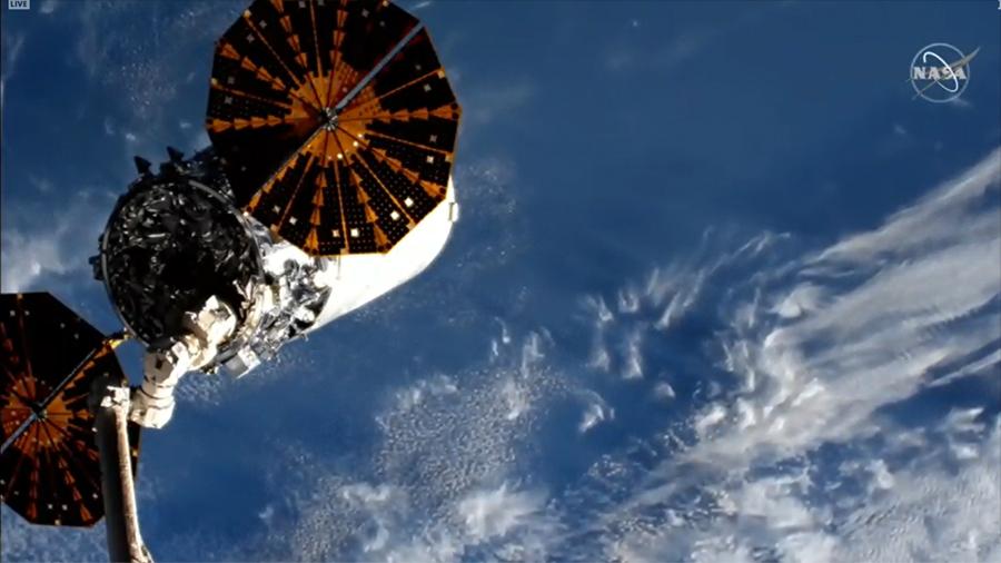2020-cygnus-departs-iss.jpg
