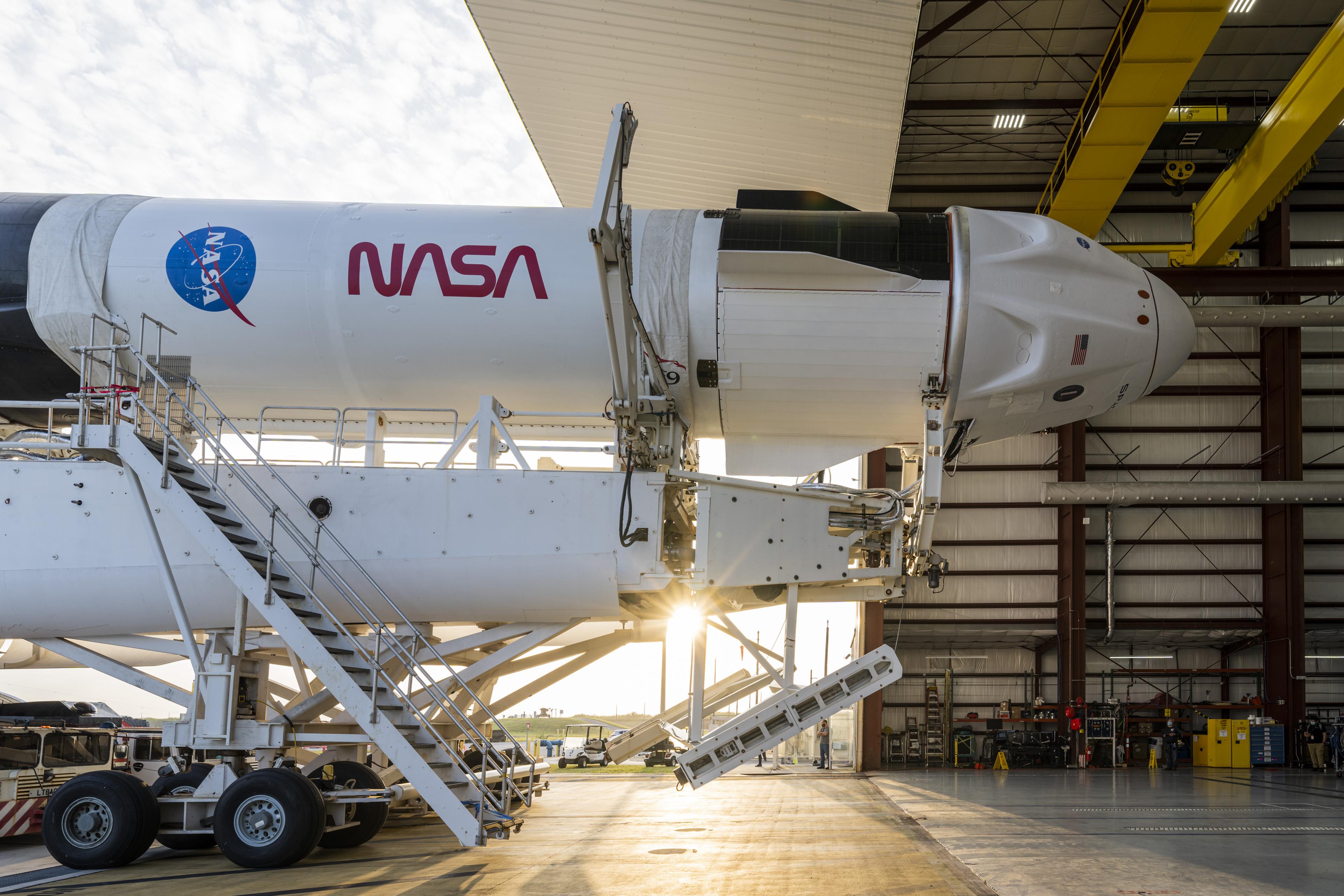 2021-16-crew-dragon-heads-launch-pad.jpg