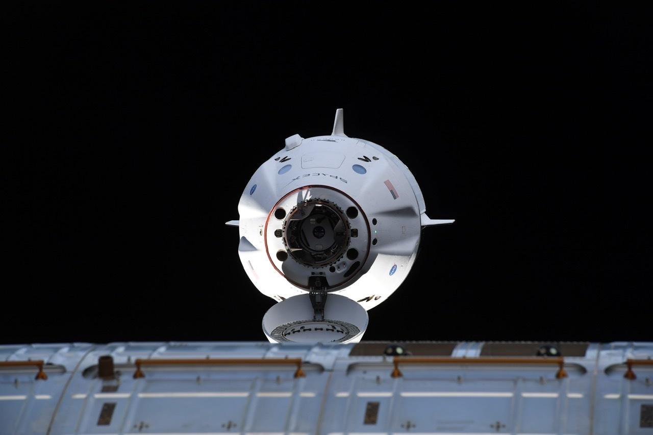 2021-24-april-crew-dragon-docks-iss.jpg